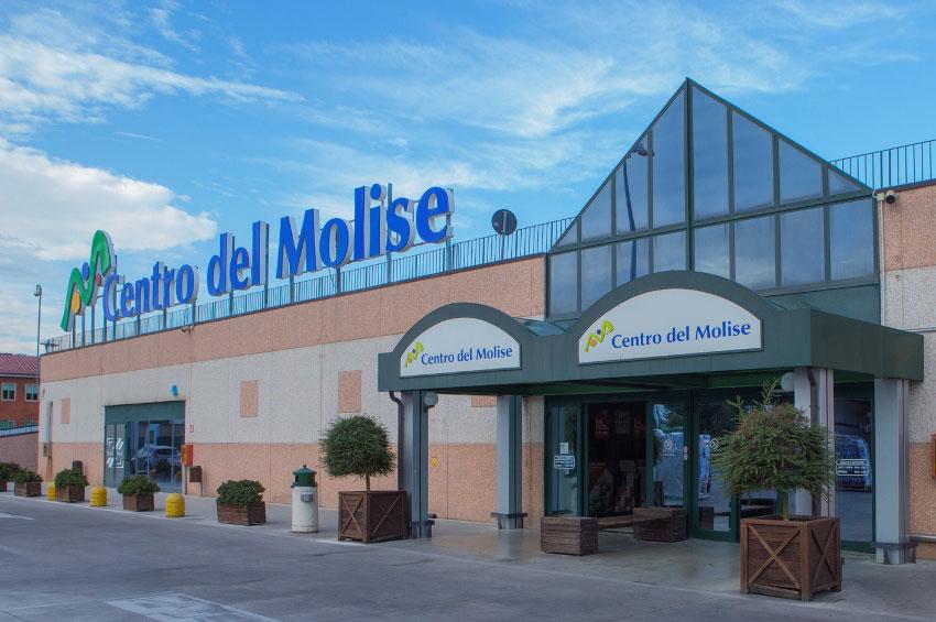 """Esposizione presso il centro commerciale """" Il centro del Molise """""""